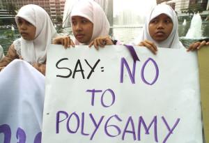 INDONESIA_-_POLIGAMIA_CONTRO.jpg