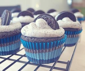 Oreo Cupcake. LOVE OREOS