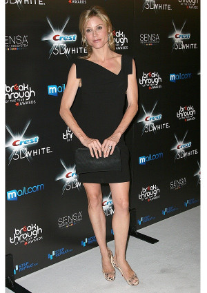 Julie Bowen Metallic Oscar