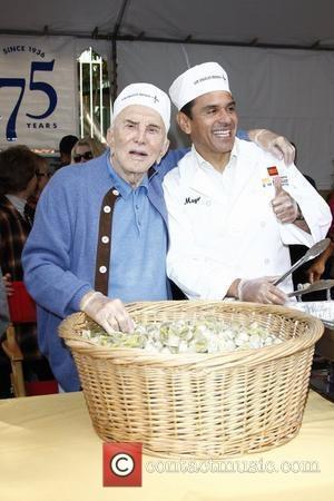 kirk douglas and antonio villaraigosa 75th anniversary 3626547