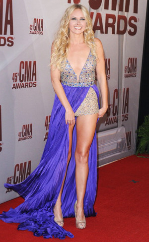 Laura Bell Bundy Singer And
