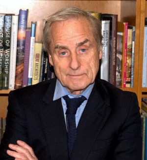 Description Sir Harold Evans 6 Shankbone 2009 NYC.jpg