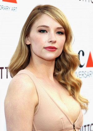 haley-bennett-at-moca-s-35th-anniversary-gala-in-los-angeles_1