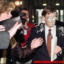 Bill Gates MR2