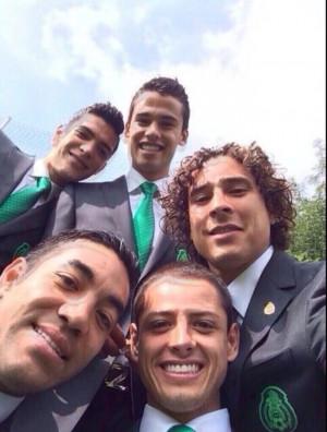 CDM 2014 : les joueurs sont fous des selfies !