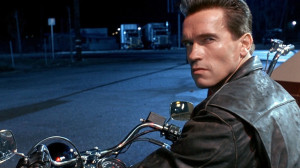 Arnold Schwarzenegger does an amazing job going undercover at the Gold ...