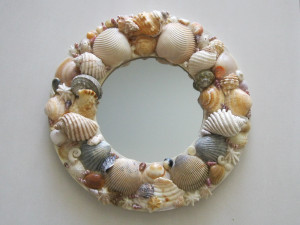 shell-art-wall-hanging-diy-craft-beach-shells-21.jpg