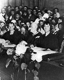 Clara Zetkin och Kollontaj på Kommunistiska Internationalens kongress ...