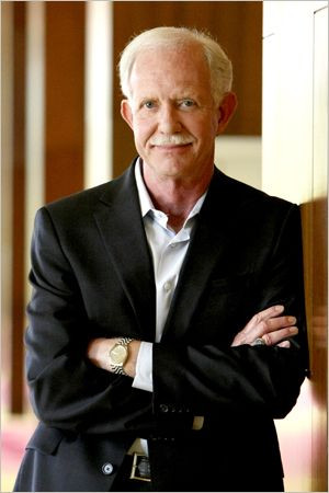 Sully Sullenberger. A pilot who performed an absolute miracle by ...