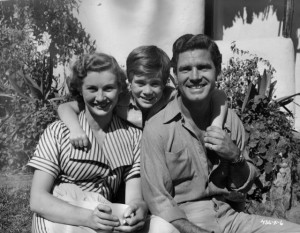 Dinah Sheridan, William Simons and Anthony Steel at event of Ivory ...