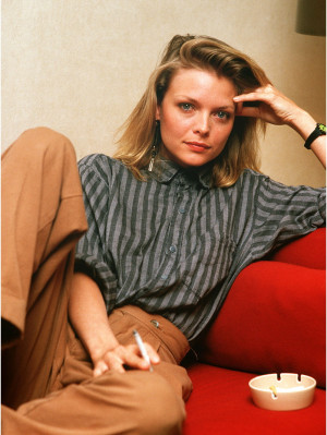 Michelle-Pfeiffer-michelle-pfeiffer-24757984-801-1066.jpg