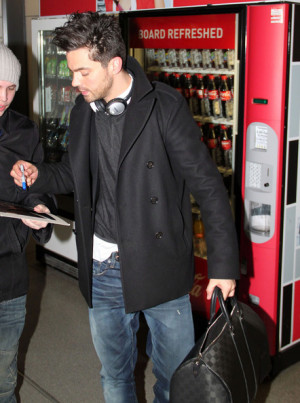 Dominic+Cooper+Dominic+Cooper+Arriving+Berlin+PXzpjbKv4pfl.jpg