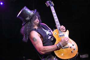 Slash Trying to Put Feud With Axl Rose to Rest