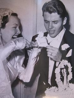 Audie with Wanda Hendrix on their wedding day More