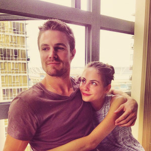 Stephen Amell and Willa Holland