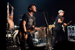 Travis Barker, Mark Hoppus and Tom DeLonge of Blink-182 perform at ...