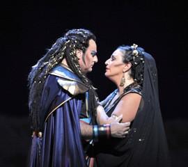 Marcello Giordani (Radames) and Micaela Carosi (Aida)
