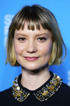 Mia Wasikowska arrives at the Australian premiere of 'Stoker' at the ...
