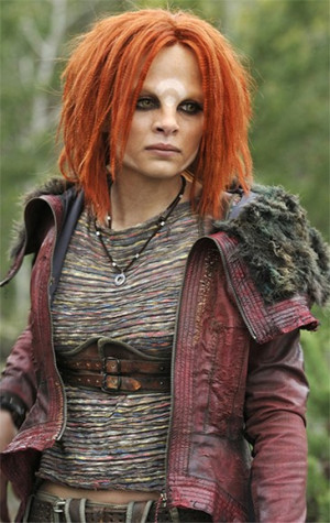 Stephanie Leonidas as Irisa
