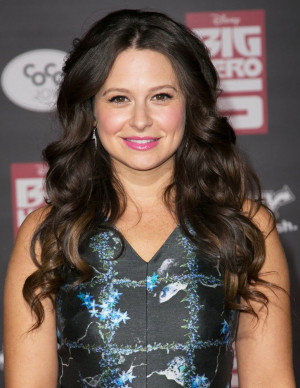 Katie Lowes Picture 26