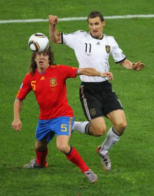 Carles Puyol And Miroslav...