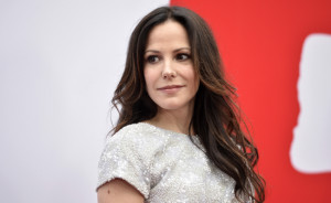 Mary-Louise Parker Is Quitting Acting Because Of Internet Trolls