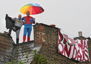 Father 4 Justice campaigner climb the roof of Harriet Harman's home in ...