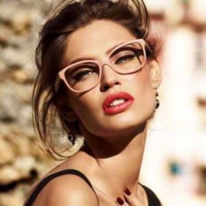 ... Makeup Tips For Girls Who Wear Glasses ~ Beauty Tip Of The Week # 24