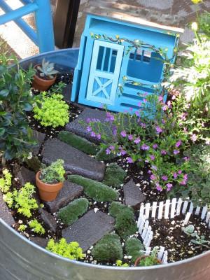 happy: fairy garden. So cute !!! Gnomes Home, Stones Pathways, Fairies ...