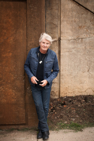 TOM COCHRANE TO RELEASE NEW ALBUM AND TOUR CANADA IN 2015