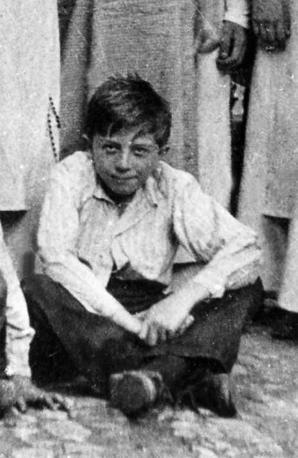 Giulio Andreotti da piccolo