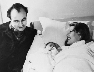 Prince Aly Khan And Rita Hayworth With Newborn Yasmin picture