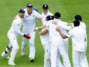 England Celebrating the after Beating India in 3rd test. England ...