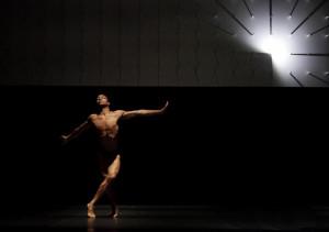 Louis McMiller performs in Wayne McGregor Random Dance 39 s FAR Photo