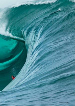 surfer_charging_a_huge_wave