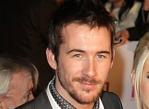 Barry Sloane...why are british guys so perfect looking!! Hes no Tom ...