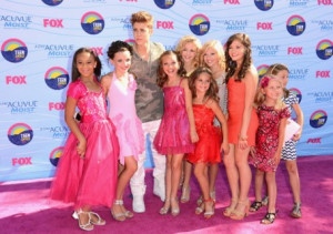Dance Moms Stars Mix It Up With Celebs At The Teen Choice Awards