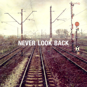 Never look back by Zmarzlena