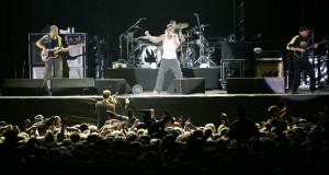 ... rock+concert+5+stars+phistar+worthy+rock+music+wallpaper.JPG