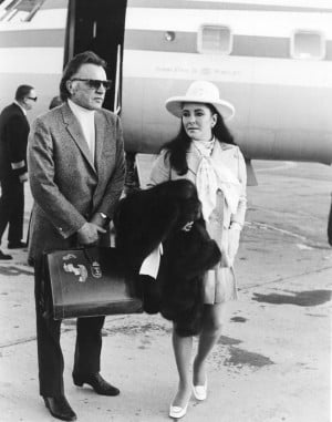 Richard Burton and Elizabeth Taylor arrive at McCarran Airport on Feb ...