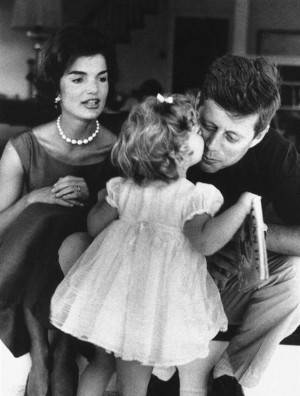 Image: John F. Kennedy with wife Jackie and daughter Caroline in 1960.