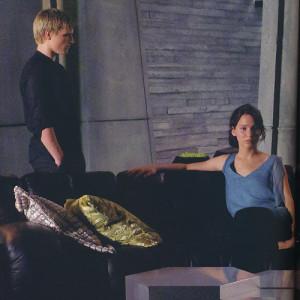 Gif: Peeta en una escena eliminada de The Hunger Games