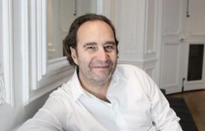 Xavier Niel patron de Free a soumis son projet d h bergements