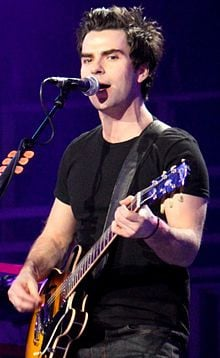 kelly jones welsh musician kelly jones is a welsh singer songwriter ...
