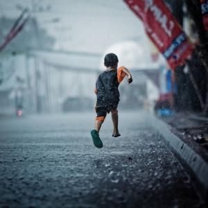 big_running_in_the_rain.jpg