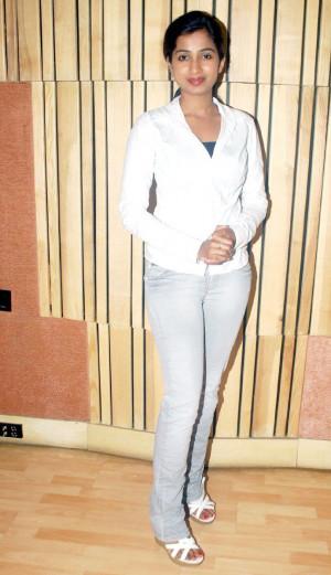 Shreya Ghoshal Jeans Photos