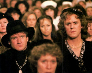Robin Williams in drag, John Lithgow as a woman, in a memorial service ...