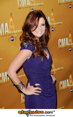 Joanna Garcia Pictures & Photos