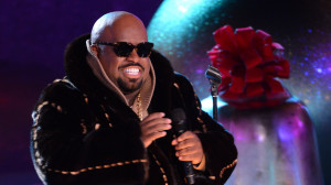 Cee-Lo Green Is Just Constantly Farting in Christina Aguilera's Face ...