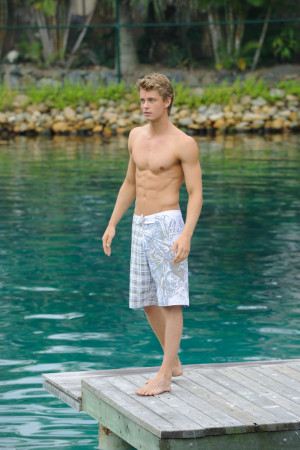 Luke Mitchell 3 picture